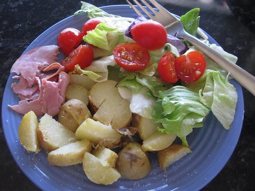 salad :: salat er sunt for både deg og meg. Lett på  flere måter bare en tar de rette sakene fram fra sval og kjøl!