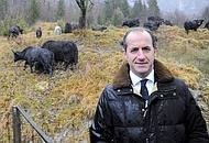 Il ministro Luca Zaia con gli yak