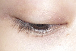 1-2 coats of the CG Lash Blast Luxe