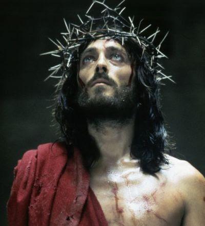 Actorul care l-a transformat pe Iisus intr-un sex simbol. Ce s-a intamplat cu 12 dintre actorii care l-au jucat pe Hristos in filme