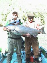 J.Luis Méndez con salmón King 22 kilos