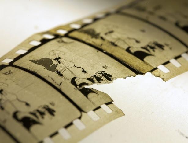 """Foto divulgada pela Biblioteca Nacional da Noruega mostra uma cópia restaurada do curta de animação """"Empty Socks"""", de 1927, parte da série de Oswald, o coelho sortudo, da Disney. Considerado perdido, o filme foi encontrado nos arquivos da biblioteca de Mo i Rana, no norte da Noruega, e foi restaurado e digitalizado"""