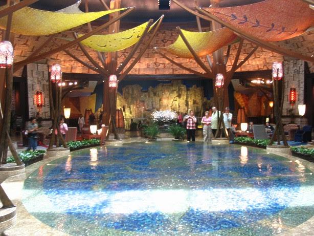 Mohegan Sun Casino reflecting pool