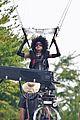 zazie beetz films her own stunts on deadpool 2 set 04