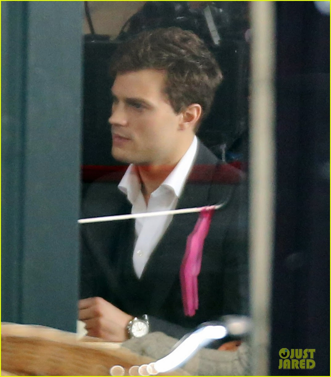 jamie dornan filming fifty shades of grey first photos on set 08