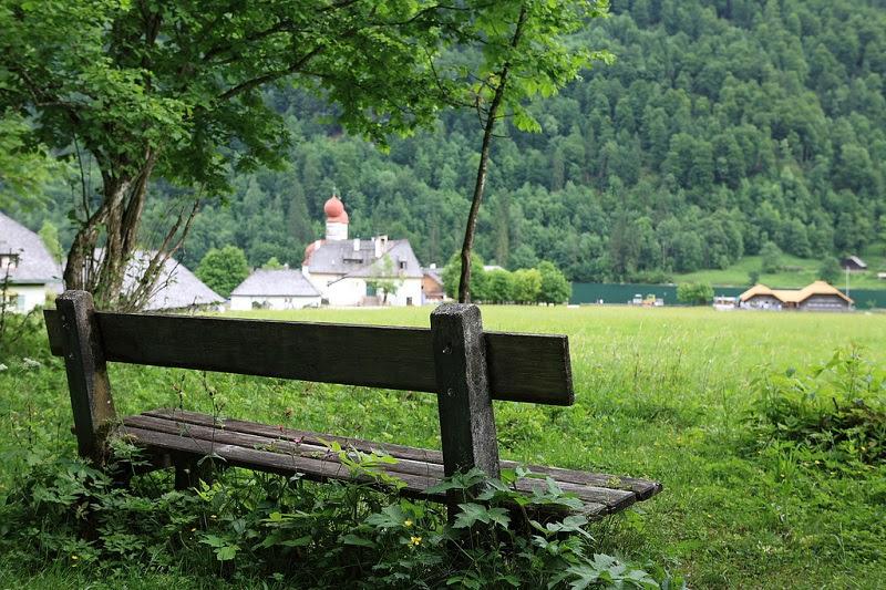 Церковб Святого Варфоломея у озера Кенигзее. Германия. Фото