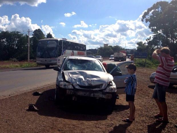 Entre sexta-feira (19) e este sábado (20), foram registrados dez acidentes envolvendo motos nas estradas do sudoeste do Paraná; um motociclista morreu (Foto: Michelli Arenza / RPC TV)