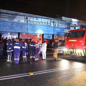 Camarote improvisado com mais de 200 pessoas desabou nesta sexta-feira (9), em Curitiba
