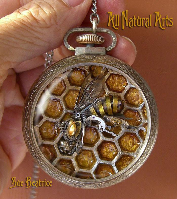 esculturas-steampunk-piezas-relojes-recicladas-susan-beatrice (10)