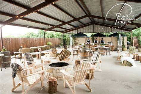 Wedding Reception Places Houston   Rustic Barn   Moffitt Oaks