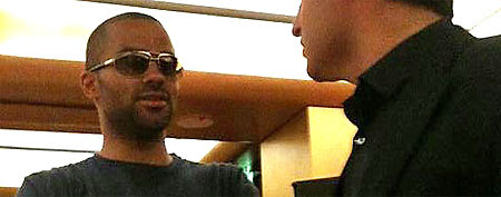San Antonio Spurs star Tony Parker got shards of glass in his eye during a fight over Rihanna. (Photo via www.facebook.com/tp9network)