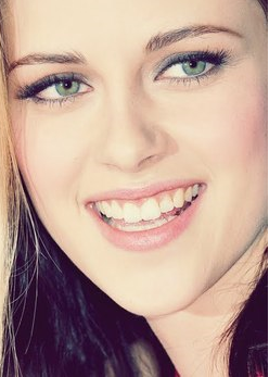 She is really pretty :')♥