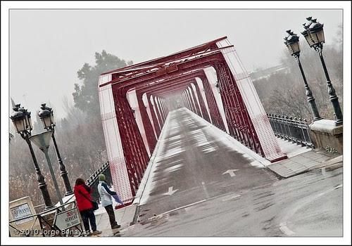Puente rojo II