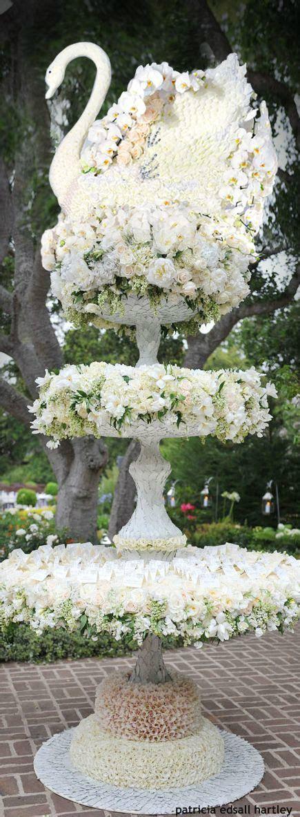 25  best ideas about Swan Lake Wedding on Pinterest
