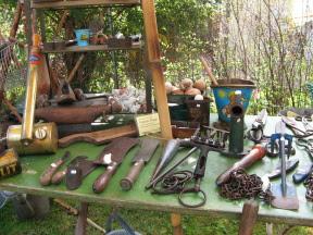 Gartenwerkzeug auf einer Gartenveranstaltung