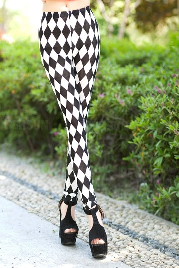 Black and White Diamond Check Legging