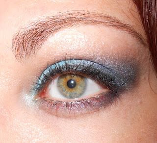 Beauty In Bloom: FOTD 12 & 13.6.2012 - Tenacious Teal Inspired looks!