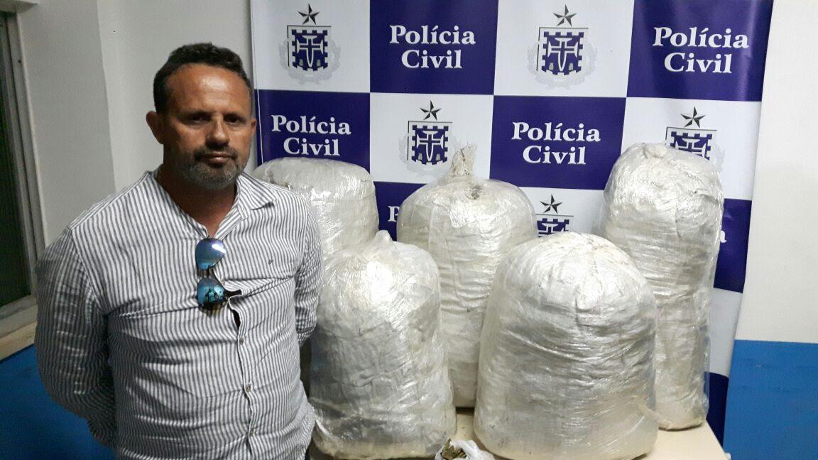 Homem é preso com 60 kg de maconha e documentos falsos