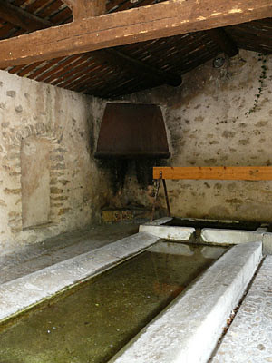 lavoir d'Ansouis.jpg