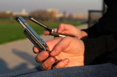 Ligação de telefone fixo para celular fica mais barata a partir de hoje