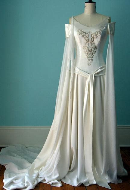 Medieval Wedding Dress   Weddbook
