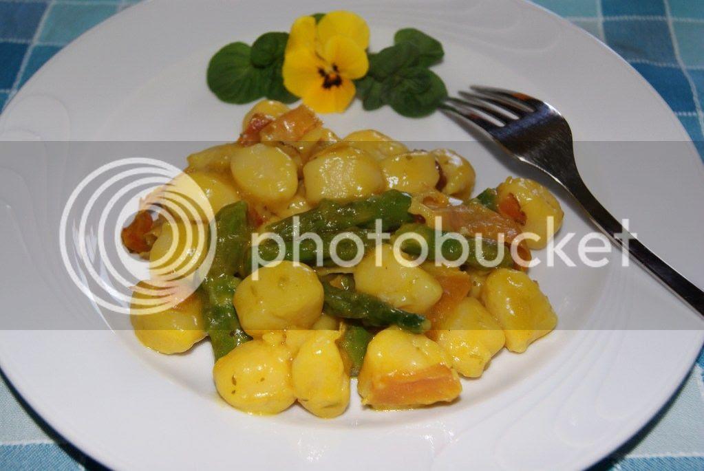Gnocchi con speck ed asparagi