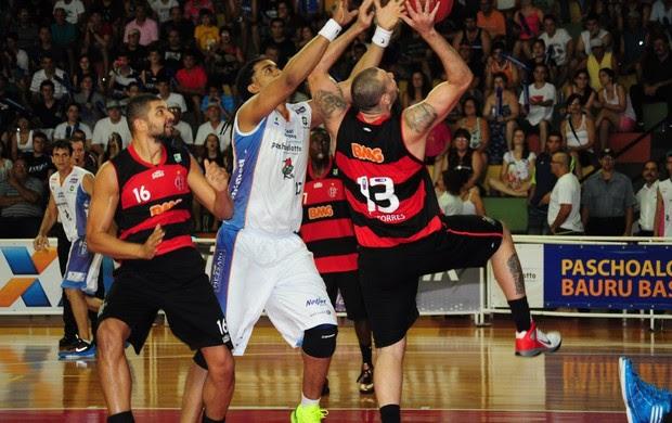 ninguém para (Sérgio Domingues/HDR Photo)