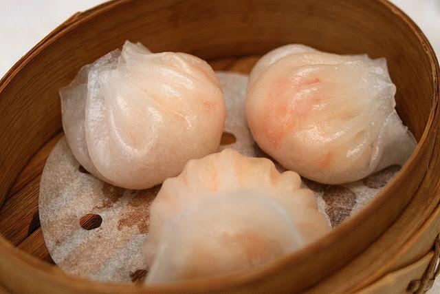Crystal prawn dumpling