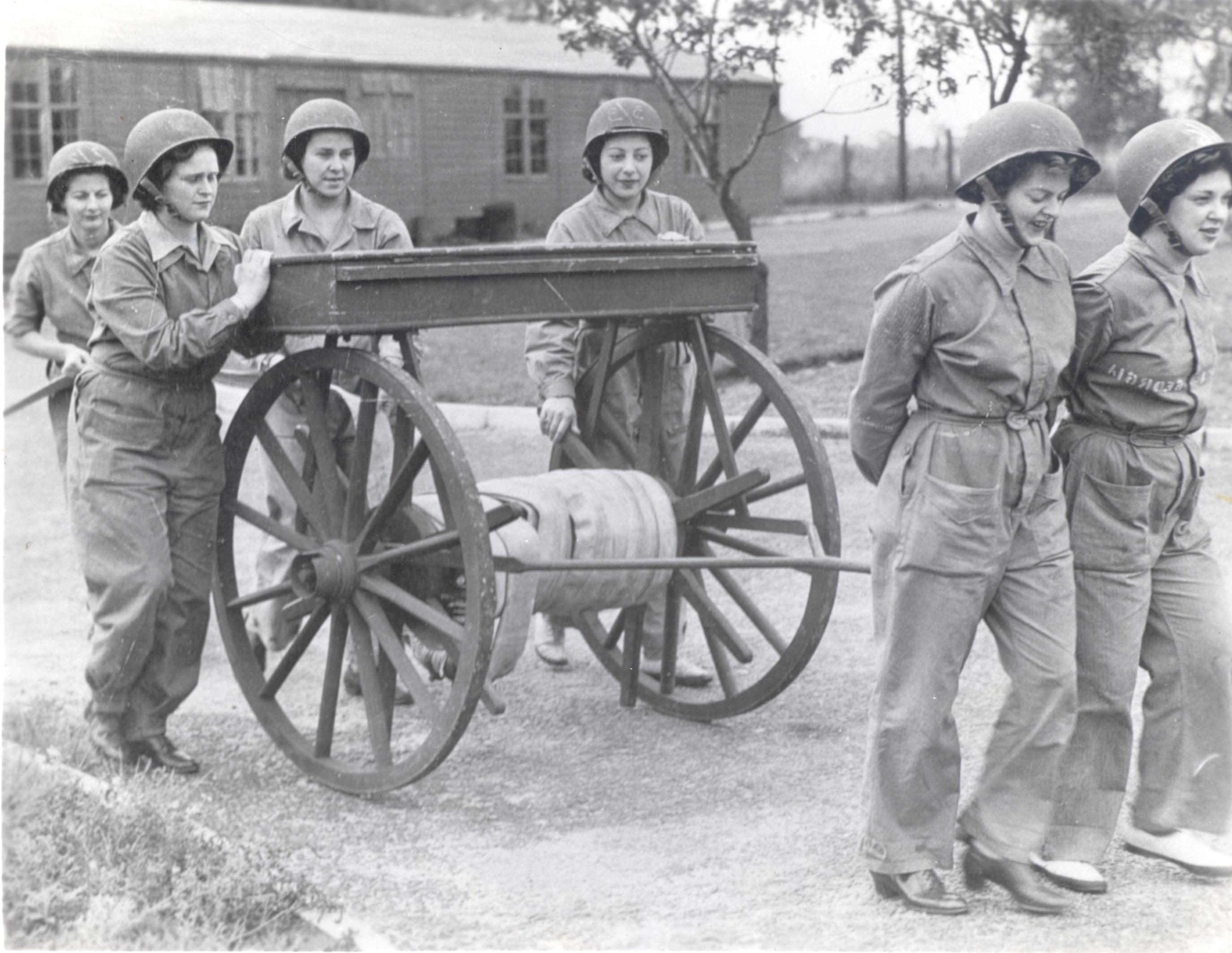 http://norfolksamericanconnections.files.wordpress.com/2012/02/american-womens-army-corps.jpg