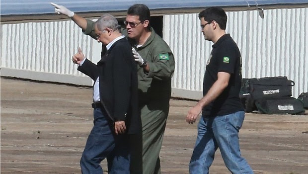 Pecuarista José Carlos Bumlai, preso na Lava Jato, embarca para Curitiba