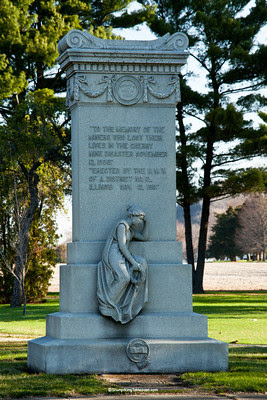 Memorial to Lives Lost in the 1909 Cherry Mine Disaster, Bureau County, Illinois