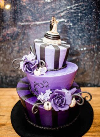 Halloween Eve Wedding with Tim Burton Style Cake