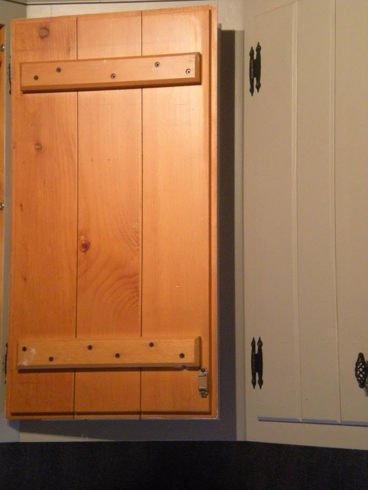 Painting Knotty Pine Kitchen cabinets | DIY | Pinterest