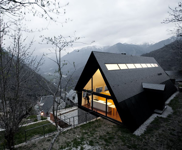 extraordinary-house-design-with-extraordinary-views-of-pyrenees-1.jpg