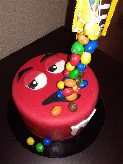 Gravity cake M&M's (version 2 )     Chut!!! Je cuisine