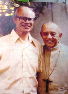 Dom Helder com o Pe. Comblin