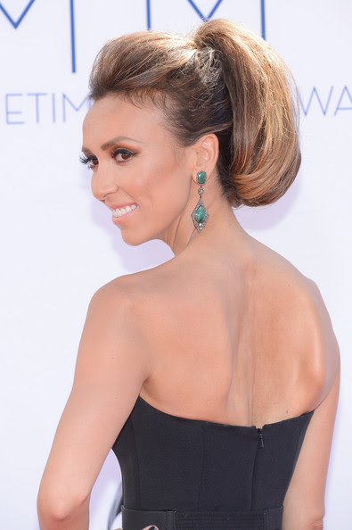 Giuliana Rancic arrives at the 64th Annual Primetime Emmy Awards at Nokia Theatre L.A. Live on September 23, 2012 in Los Angeles, California.