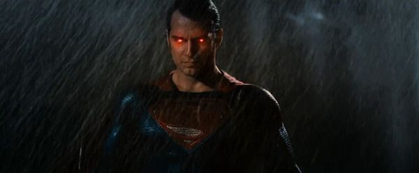 Superman uses heat vision as he fights Batman in BATMAN V SUPERMAN: DAWN OF JUSTICE.