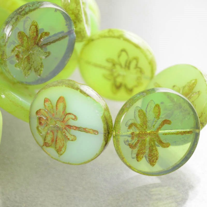 s38666 Pressed Glass - 23 mm Dragonfly Coin - Green Grape Mist (1)