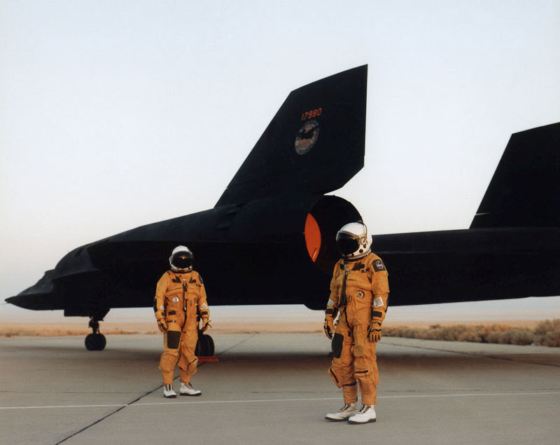 worlds fastest plane lockheed sr-71 blackbird (3)