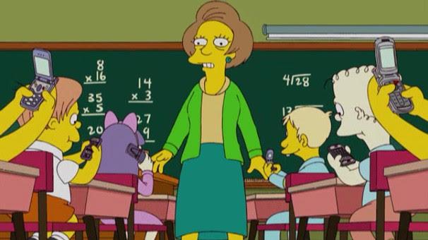 Os Simpsons - Edna sofre com os celulares dos alunos (Foto: Divulgação / Twentieth Century Fox)