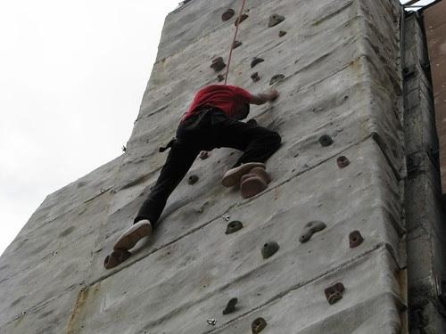 Climbing_Wall_Bangalore_Boy