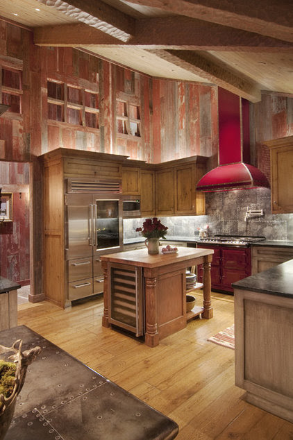 traditional kitchen by Ward-Young Architecture & Planning
