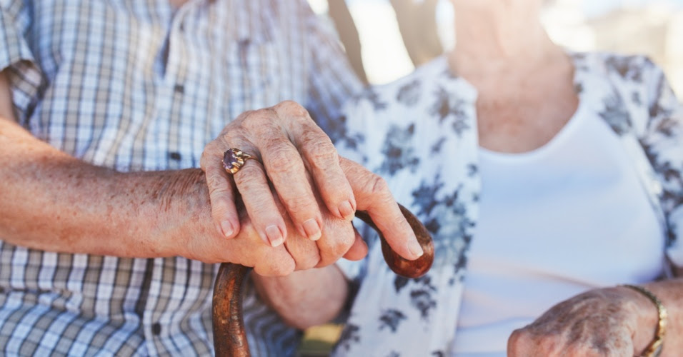 Resultado de imagem para STJ concede adicional de 25% a aposentados que necessitam de cuidadores