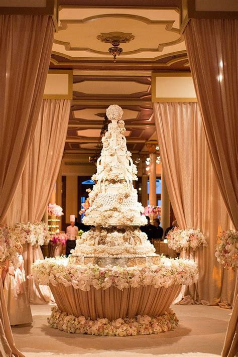 1081 best Cake tables images on Pinterest   Cake wedding