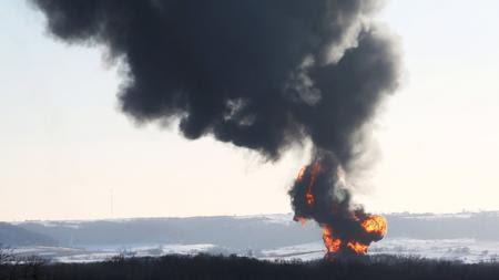 Oil train derails