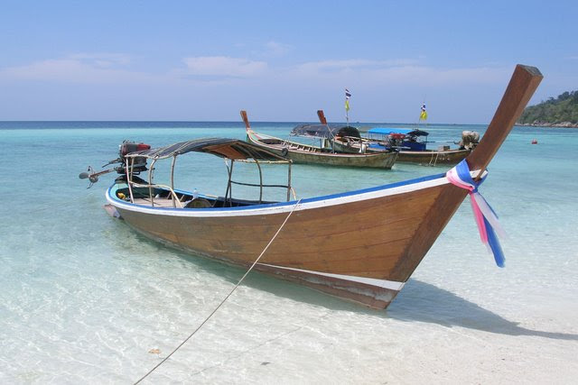 Beautiful wooden boat : the thailand longtail boat