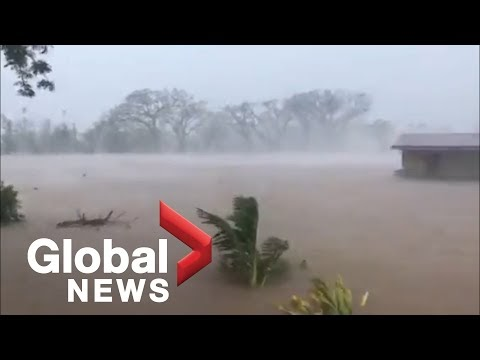 A strong cyclone hit Fiji, there are missing people (VIDEO)