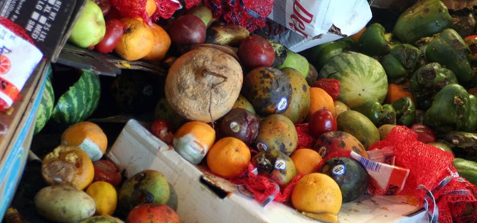 Frutas y verduras desperdiciadas.