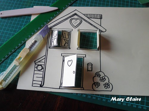 casa finestrelle e porte aperte
